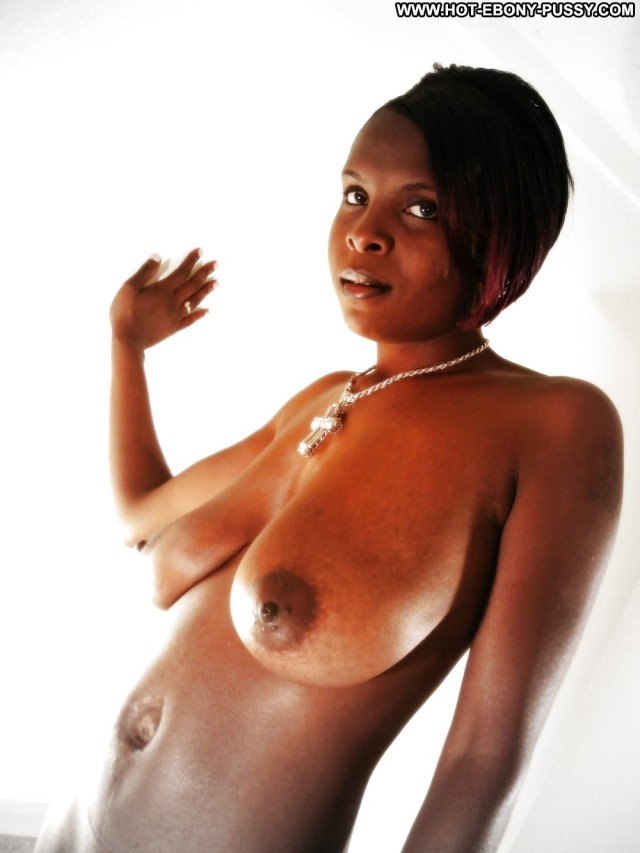 Gabriela Private Pics Chick Boobs Ethnic Black Self Shot Wet