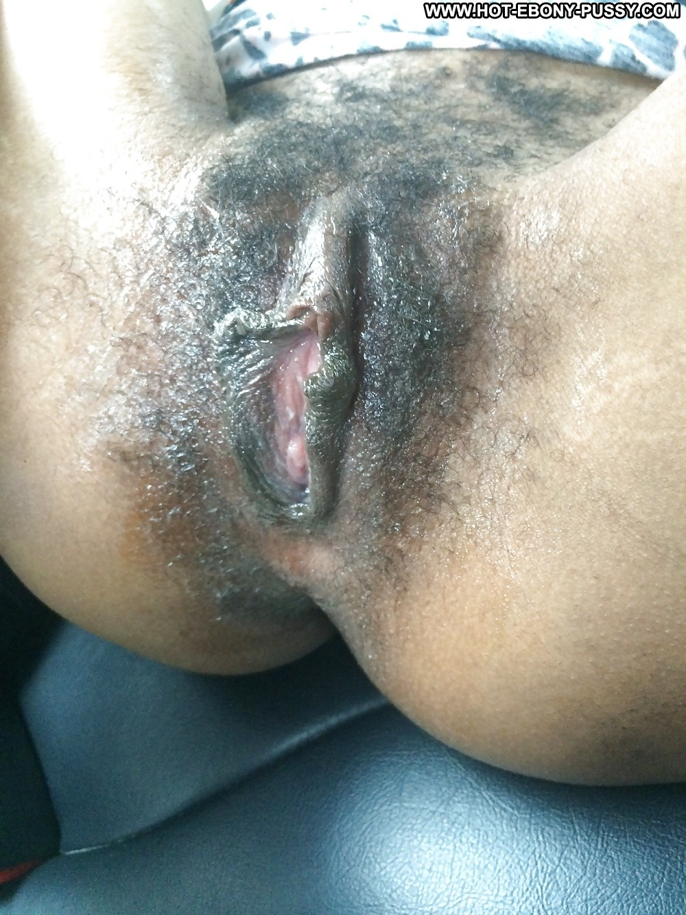 ebony big labia